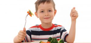 When Can Toddlers Eat by Themselves